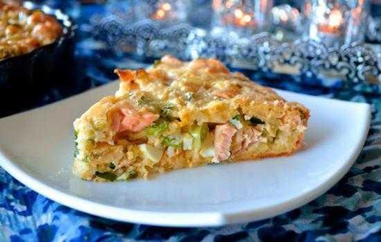 Пирог с рисом и рыбными консервами – бюджетное блюдо!