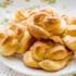 Слоеные и дрожжевые булочки «Розочки» – простой способ накормить семью. Рецепты «Розочек» с сахаром, творогом, яблоками, колбасой