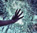 К чему снится разбитое стекло – будьте осторожны!  Основные толкования сна:  почему приснилось разбитое стекло, мнения разных сонников