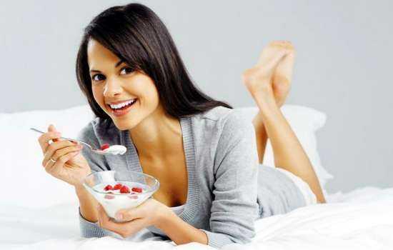 Можно ли кормящим творог: его польза и вред, размер порции.