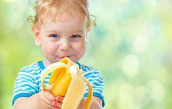 С какого возраста ребенку можно давать банан и банановое пюре?