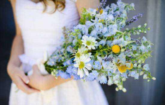 К чему снится букет цветов, дарить или получать в подарок?