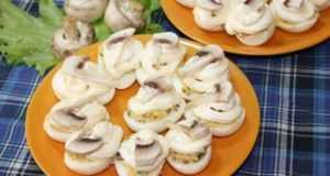 Оригинальные закуски из грибов для любого случая: икра, бутерброды, рулет
