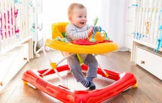 Как определиться маме, полезны ходунки или вредны?