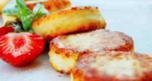 Сырники с манкой: лучшие рецепты на любой вкус, в том числе с морковью, мармеладом, в соусе